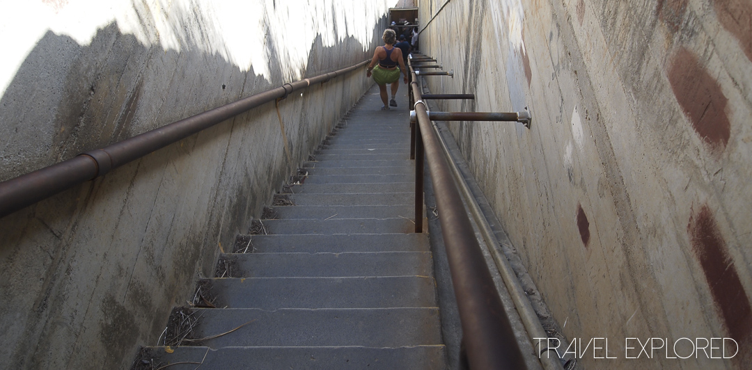Hawaii - Honolulu - Diamond Head Stairs
