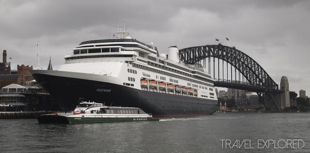 Ms Volendam and Sydney Harbour Bridge
