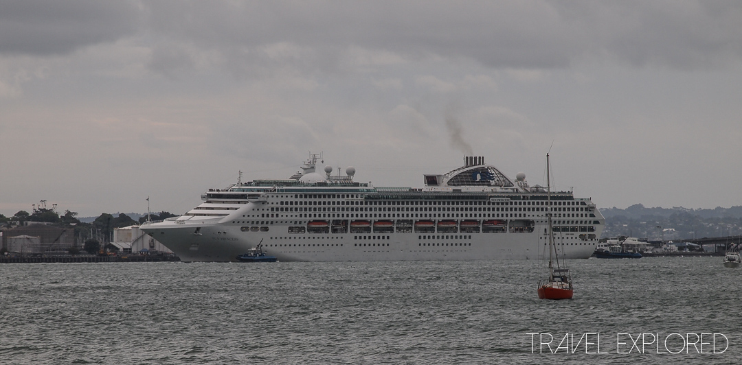 Auckland - Sun Princess departing Auckland