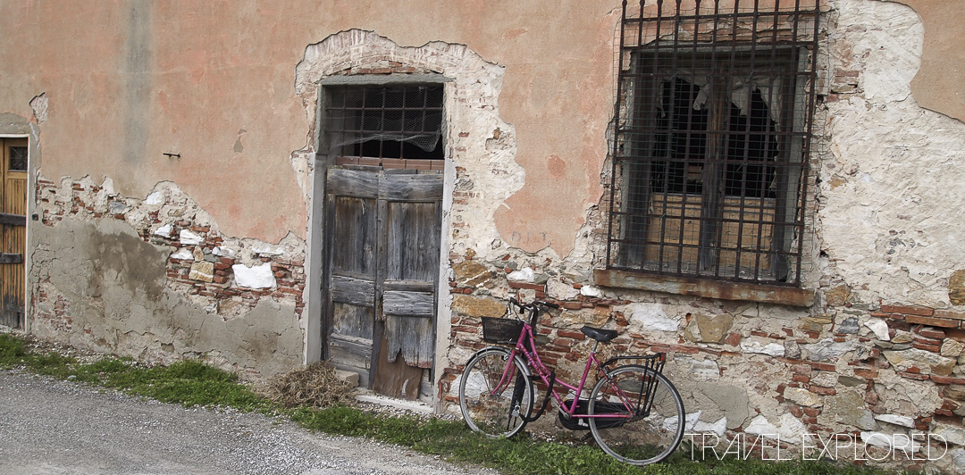 Pisa - Bike leaning against wall